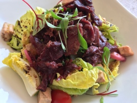 Salad with crispy duck